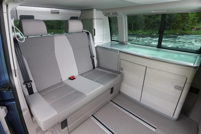 nachrichten news test vw t6 california ab in den. Black Bedroom Furniture Sets. Home Design Ideas