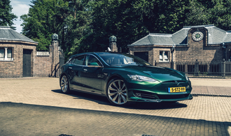 Tesla Model S als Nobel-Transporter